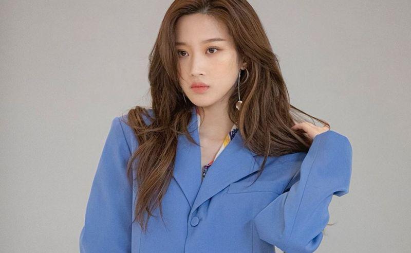 https: img.okezone.com content 2020 06 23 611 2234946 cantik-dan-pintar-ini-dia-5-potret-artis-korea-moon-ga-young-tOGe7yzOVI.jpg