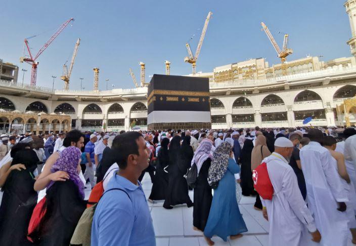 https: img.okezone.com content 2020 06 23 614 2235292 oman-puji-arab-saudi-gelar-haji-di-tengah-pandemi-covid-19-uMdSc5hDcZ.JPG