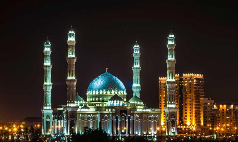 https: img.okezone.com content 2020 06 25 615 2236118 masjid-hazrat-kazakhstan-sholat-di-sini-serasa-jadi-sultan-paLoJs7GTO.JPG