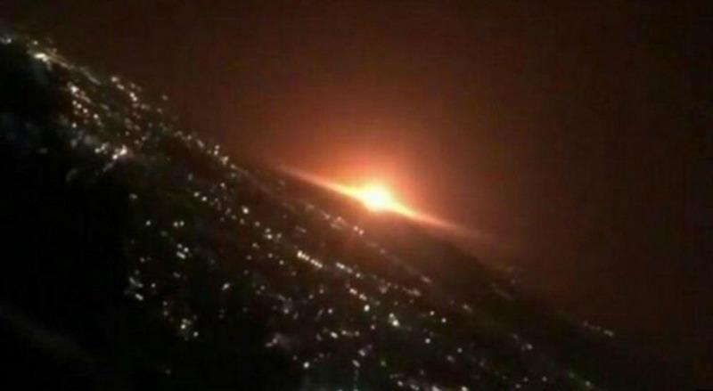 https: img.okezone.com content 2020 06 26 18 2236937 ledakan-besar-terjadi-dekat-pangkalan-militer-di-ibu-kota-iran-wCeDT5nzJI.jpg