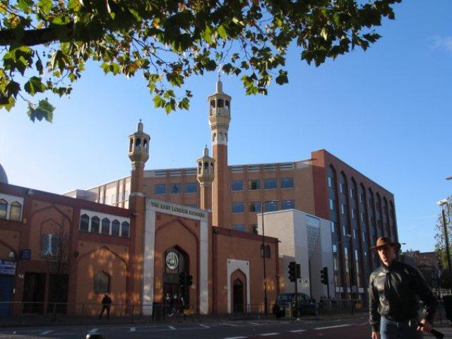 https: img.okezone.com content 2020 06 26 615 2236954 4-masjid-di-london-yang-wajib-kamu-kunjungi-MsyinxbWwS.jpg