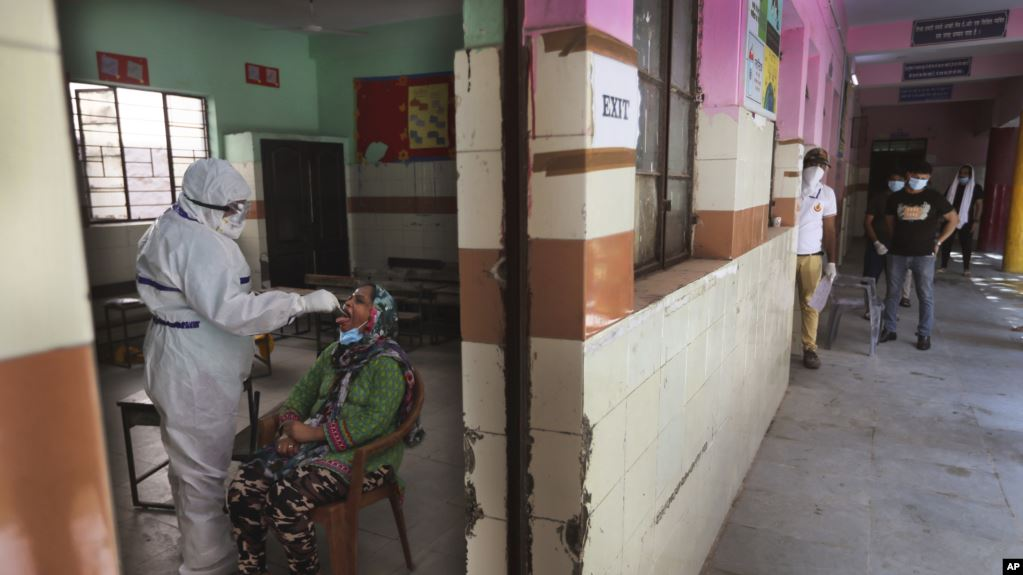 https: img.okezone.com content 2020 06 27 18 2237198 india-catat-17-ribu-kasus-positif-covid-19-dalam-sehari-lM1thrAJYS.jpg