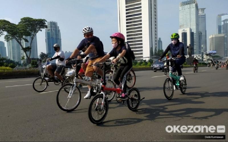 https: img.okezone.com content 2020 06 27 481 2237191 gowes-sepeda-mendadak-populer-pesepeda-makin-banyak-orang-sadar-berolahraga-XFGyqLjEJx.jpg