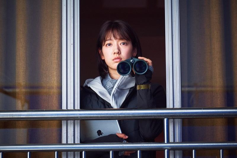 https: img.okezone.com content 2020 06 29 206 2237879 film-zombie-yoo-ah-in-dan-park-shin-hye-tembus-1-juta-penonton-aVl1mfflrN.jpg