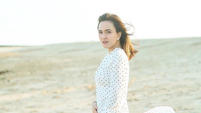https: img.okezone.com content 2020 06 29 33 2238202 shandy-aulia-bahagia-tampil-tanpa-make-up-Gc9L3okGwc.jpg