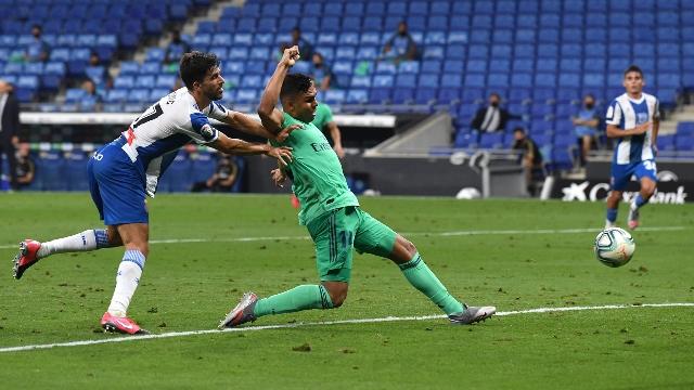https: img.okezone.com content 2020 06 29 46 2237989 espanyol-vs-real-madrid-casemiro-gol-itu-milik-benzema-M0HpRefbL5.jpg