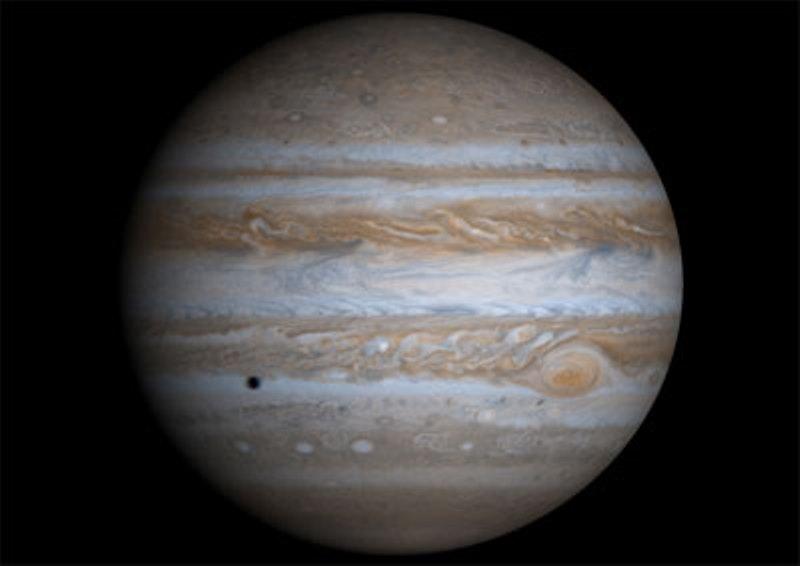 https: img.okezone.com content 2020 06 30 16 2238818 planet-terbesar-bintik-merah-jupiter-2-kali-lipat-ukuran-bumi-qtZqbNvQPC.jpg