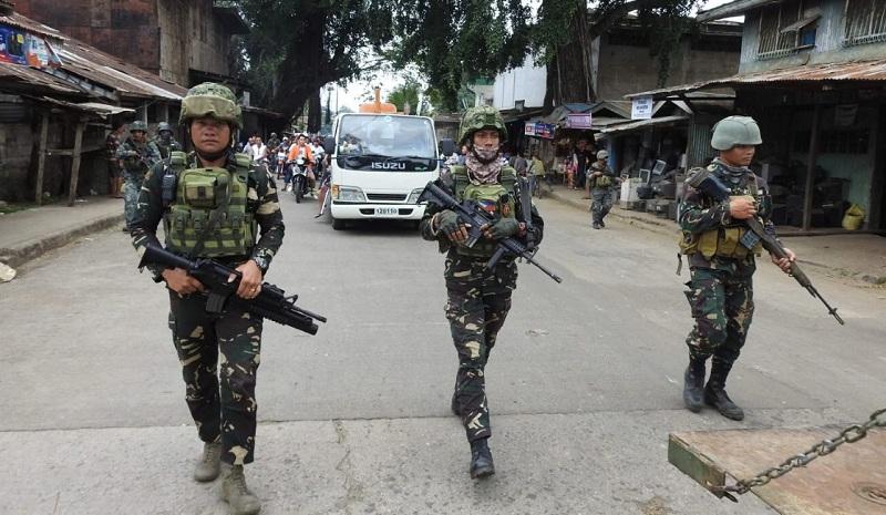 https: img.okezone.com content 2020 06 30 18 2238649 buru-pengebom-bunuh-diri-empat-tentara-filipina-tewas-ditembak-polisi-YOQYnCISTG.jpg