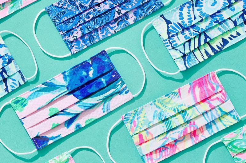 https: img.okezone.com content 2020 06 30 194 2238834 cara-membuat-masker-keren-dari-baju-bekas-ala-desainer-lilly-pulitzer-bwLBWS3rmk.jpg