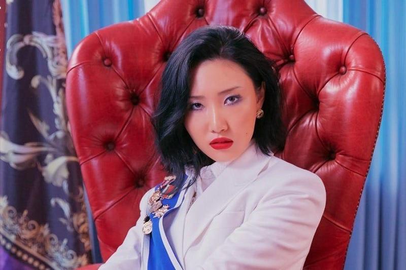 https: img.okezone.com content 2020 06 30 205 2239017 album-baru-hwasa-mamamoo-sukses-puncaki-tangga-lagu-di-20-negara-tau34WCTq3.jpg
