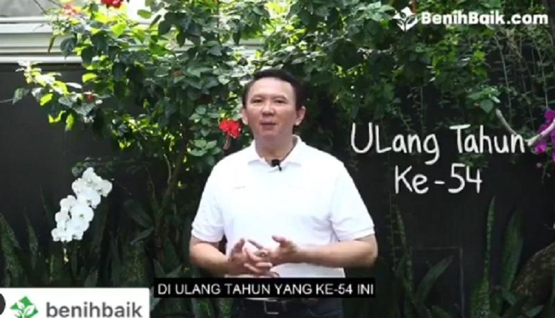 https: img.okezone.com content 2020 06 30 320 2238622 ahok-lelang-19-kemeja-batik-yang-menemaninya-di-masa-sulit-Dexfbntbqn.jpg