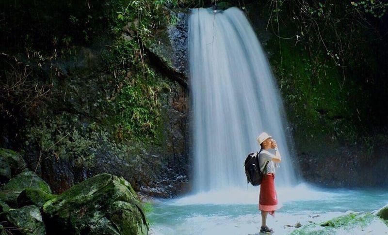 https: img.okezone.com content 2020 06 30 406 2239114 berswafoto-di-balik-keindahan-air-terjun-cambang-cui-9QuPGc4XO1.jpg