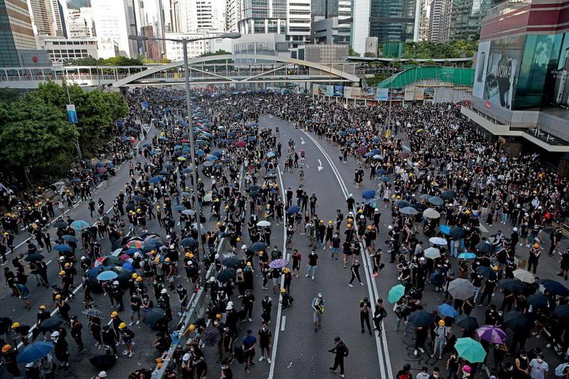 https: img.okezone.com content 2020 07 01 18 2239249 uu-keamanan-nasional-hong-kong-pelanggar-bisa-dihukum-penjara-seumur-hidup-7zwLUGUIWJ.jpg