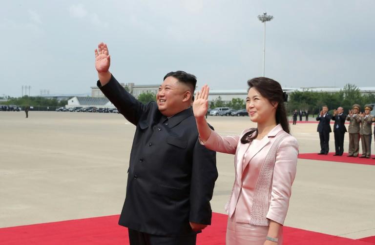 https: img.okezone.com content 2020 07 01 18 2239354 foto-foto-menghina-istri-kim-jong-un-picu-kemarahan-korut-pada-korsel-aNIewn0jxg.jpg