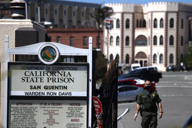 https: img.okezone.com content 2020 07 01 18 2239525 kasus-covid-19-meledak-di-penjara-as-lebih-dari-1-000-napi-positif-corona-asjnwr4kbj.jpg