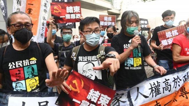 https: img.okezone.com content 2020 07 01 18 2239572 uu-keamanan-berlaku-puluhan-orang-ditangkap-dalam-demonstrasi-hari-penyerahan-hong-kong-XrIUROM5GW.jpg
