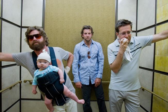 https: img.okezone.com content 2020 07 01 206 2239470 rekomendasi-5-film-komedi-terbaik-sepanjang-masa-JuyhQFcbc9.jpg