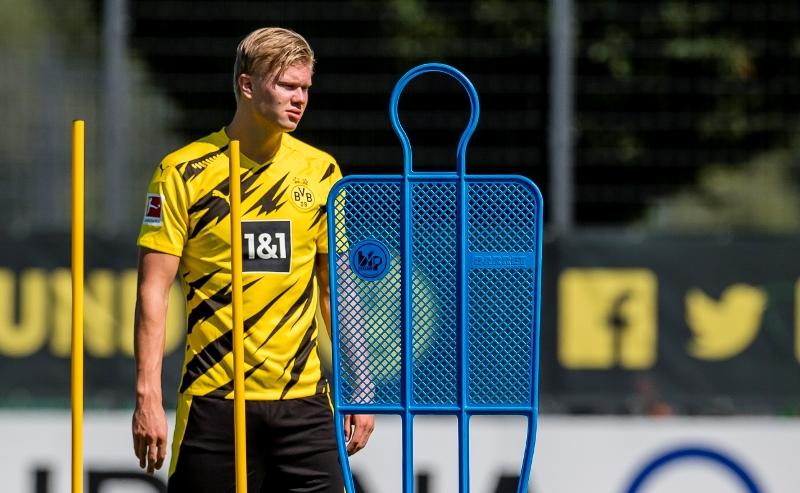 Sambut Musim 2020 2021 Borussia Dortmund Pamerkan Jersey Terbaru Okezone Bola