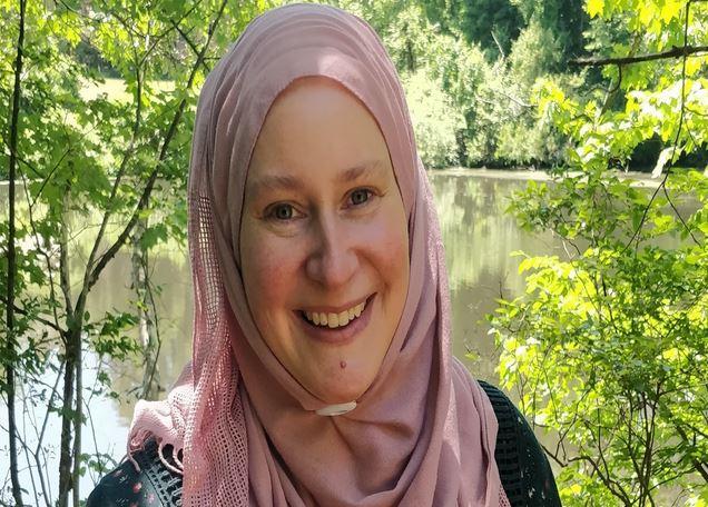https: img.okezone.com content 2020 07 01 614 2239663 kisah-wanita-pejuang-feminisme-hingga-akhirnya-memeluk-islam-EEp2VpfX4L.JPG