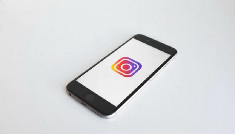 https: img.okezone.com content 2020 07 02 16 2240364 instagram-uji-fitur-stories-dalam-satu-halaman-7rprGEcQ9d.jpg