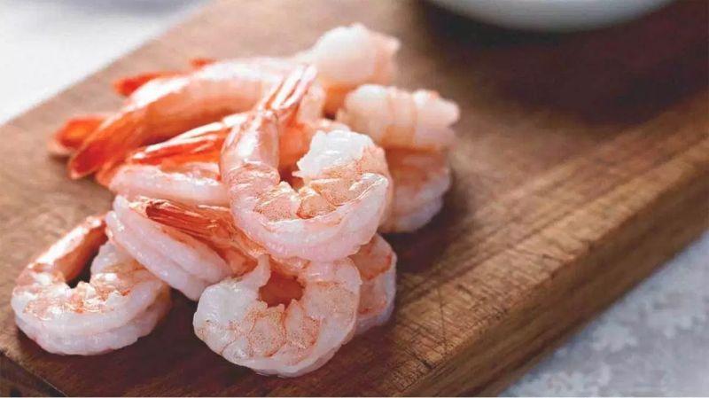 https: img.okezone.com content 2020 07 03 298 2240537 resep-udang-saus-mentega-restoran-ala-chef-devina-hermawan-P6pq8Paaud.jpg