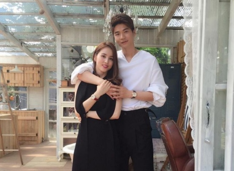 https: img.okezone.com content 2020 07 03 51 2240828 cantiknya-han-hye-jin-bintang-drakor-istri-pesepakbola-korsel-ki-sung-yueng-kXzpULf0Md.jpg
