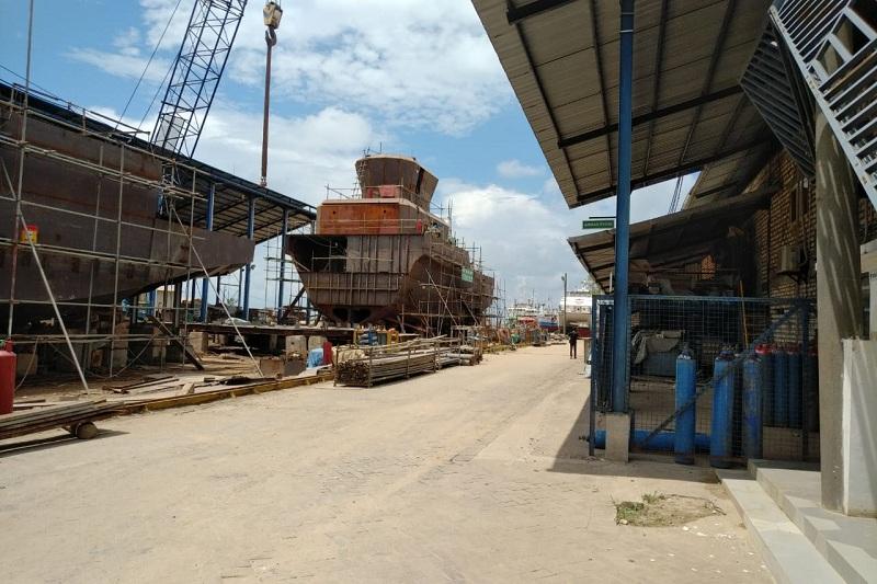 https: img.okezone.com content 2020 07 05 320 2241475 keren-kapal-made-in-indonesia-siap-angkut-material-untuk-industri-migas-KPKpmbnly2.jpg