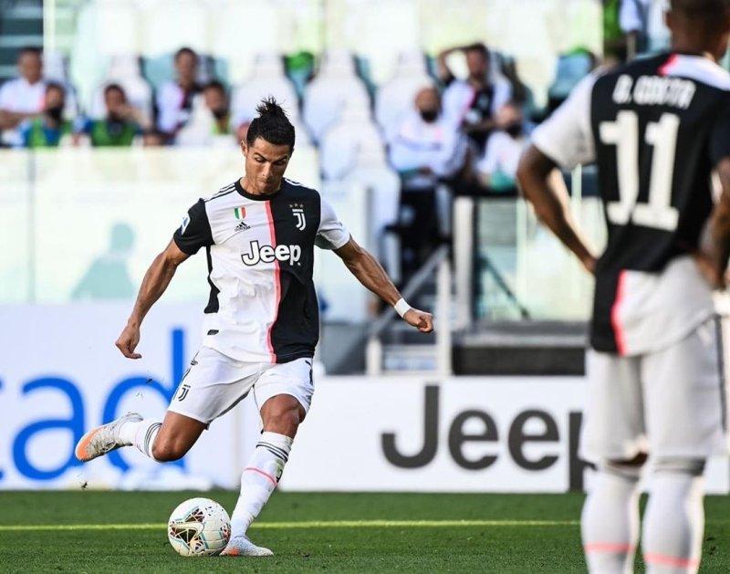 Ronaldo Jadi Pemain Pertama Juventus yang Cetak 25