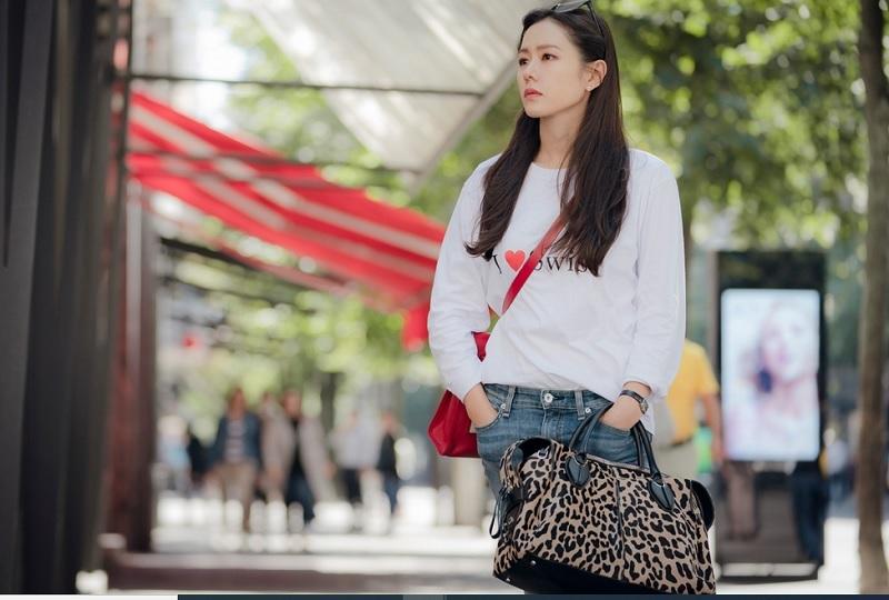 https: img.okezone.com content 2020 07 06 194 2242145 siasat-high-end-brand-incar-generasi-muda-muncul-di-drama-korea-Lurd00Hk79.jpg