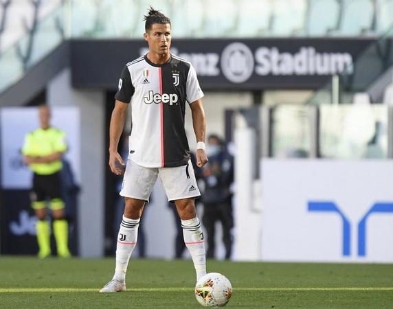 https: img.okezone.com content 2020 07 06 47 2241956 cristiano-ronaldo-lebih-tajam-dari-immobile-di-paruh-kedua-liga-italia-2019-2020-606FxTEAhY.jpg
