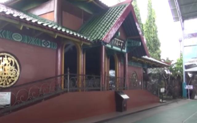 https: img.okezone.com content 2020 07 06 615 2241829 uniknya-masjid-cheng-ho-warisan-budaya-indo-china-s8u9id7KIt.jpg