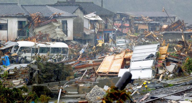 https: img.okezone.com content 2020 07 07 18 2242559 korban-tewas-banjir-jepang-capai-50-orang-pemerintah-gandakan-upaya-penyelamatan-Uu3lw06ayK.jpg