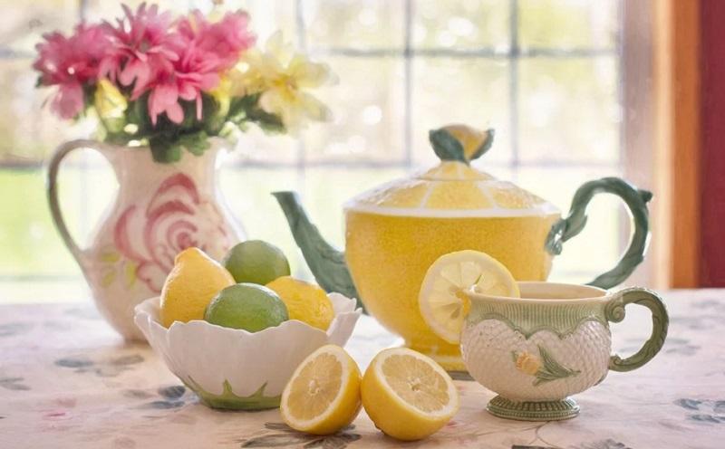 https: img.okezone.com content 2020 07 07 481 2242675 selain-turunkan-berat-badan-ini-manfaat-lemon-tea-yang-perlu-kamu-tahu-7s9CCp5tXJ.jpg