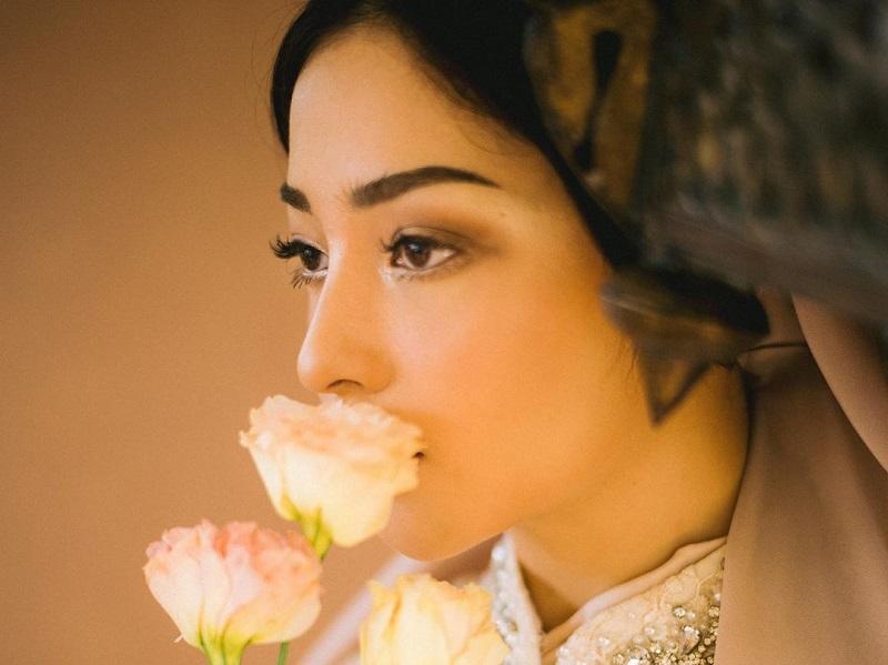 https: img.okezone.com content 2020 07 08 194 2243361 potret-cantik-nikita-willy-bak-putri-timur-tengah-dikira-foto-prewedding-kGjPpBiQMF.jpg