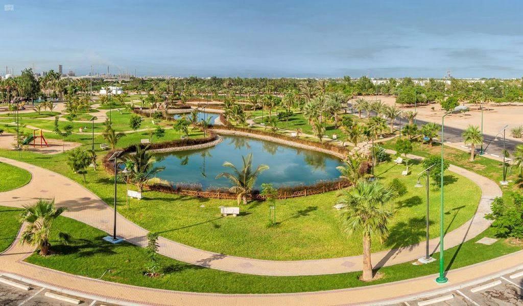 https: img.okezone.com content 2020 07 08 615 2243175 taman-danau-yanbu-ikon-wisata-kota-pintar-di-arab-saudi-4UQW0PiDCn.jpg