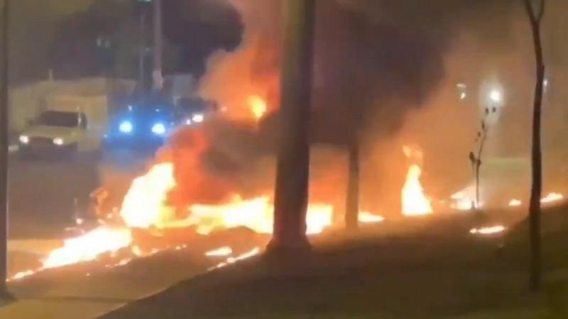 https: img.okezone.com content 2020 07 09 18 2243834 sebuah-pesawat-meledak-dan-terbakar-setelah-mendarat-di-jalanan-sibuk-brasil-QjQJvA07pF.jpg