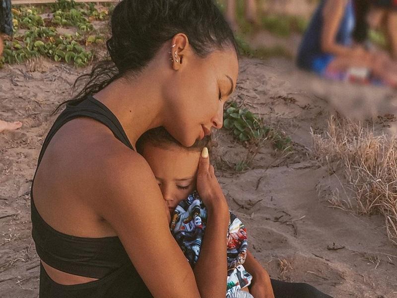 https: img.okezone.com content 2020 07 09 196 2243742 potret-kenangan-aktris-naya-rivera-bersama-sang-putra-sebelum-hilang-di-danau-JZybemOXBy.jpg