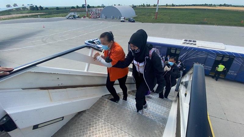 https: img.okezone.com content 2020 07 09 337 2243492 pelarian-buron-17-tahun-maria-lumowa-singapura-belanda-hingga-tertangkap-di-serbia-x81FuLMTwf.jpg