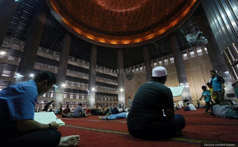 https: img.okezone.com content 2020 07 09 337 2243624 masjid-istiqlal-belum-bisa-digunakan-sholat-idul-adha-1441-h-alasannya-jwYppC9T2Z.jpg