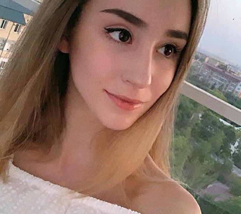 https: img.okezone.com content 2020 07 09 43 2243928 alina-adilkhanova-atlet-senam-ritmik-kazakhstan-yang-cantik-dan-berprestasi-hA01H43UjW.jpg