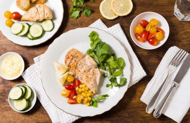 https: img.okezone.com content 2020 07 09 481 2243491 6-pilihan-makanan-sehat-untuk-pengidap-kanker-hati-OBgt4qzUpE.jpg