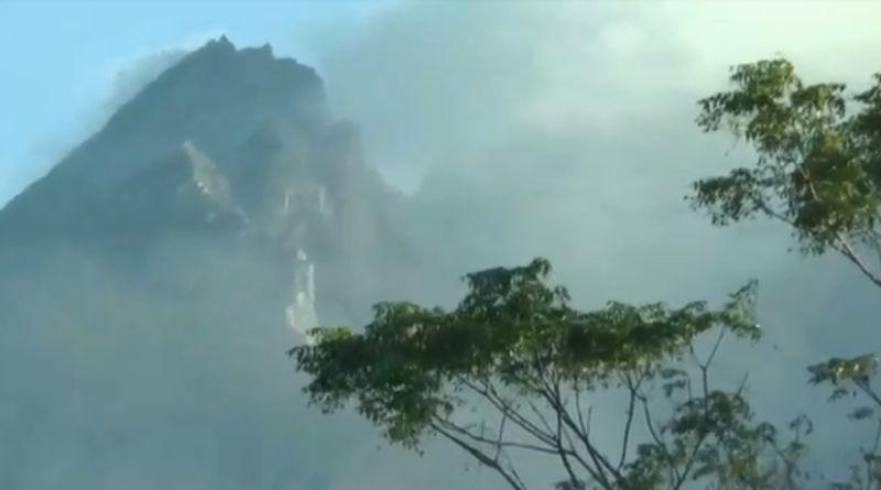 https: img.okezone.com content 2020 07 09 510 2243994 gunung-merapi-menggembung-masyakarat-diimbau-tenang-dan-waspada-6DzZxCKfmL.jpg