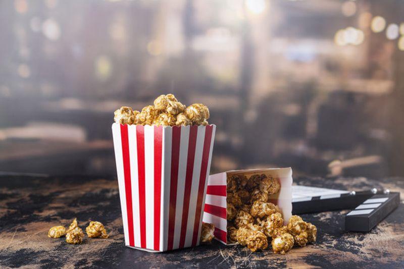https: img.okezone.com content 2020 07 10 481 2244132 bioskop-bakal-buka-29-juli-simak-14-protokol-kesehatan-saat-kamu-nonton-film-favorit-voDVgtCI1B.jpg