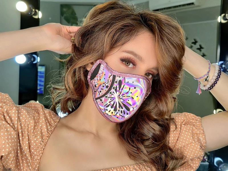 https: img.okezone.com content 2020 07 12 194 2245216 4-gaya-cinta-laura-pakai-masker-modis-cantik-paripurna-aX1xb0fSuw.jpg
