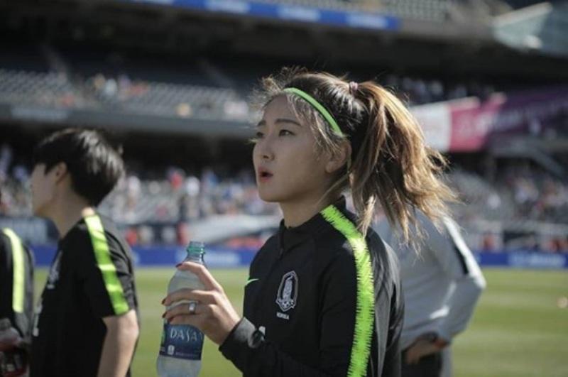 https: img.okezone.com content 2020 07 12 51 2245025 pesona-cho-so-hyun-pesepakbola-wanita-terbaik-korea-selatan-4DpNLUilY5.jpg