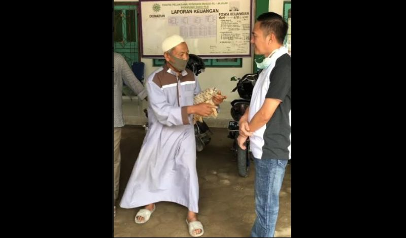 https: img.okezone.com content 2020 07 12 610 2244975 aksi-heroik-marbut-masjid-viral-maling-kotak-amal-dibuat-tak-berkutik-1VenigkpTL.jpg