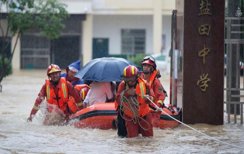 https: img.okezone.com content 2020 07 13 18 2245392 terus-diguyur-hujan-deras-provinsi-jiangxi-china-umumkan-peringatan-banjir-tingkat-tertinggi-CGSH6M2ft4.jpg