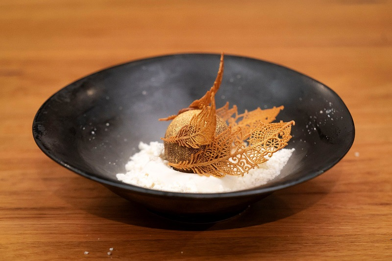 https: img.okezone.com content 2020 07 13 298 2245442 reynold-poernomo-bikin-dessert-ala-harry-potter-juri-masterchef-australia-terpukau-mRjxyqP8HF.jpg