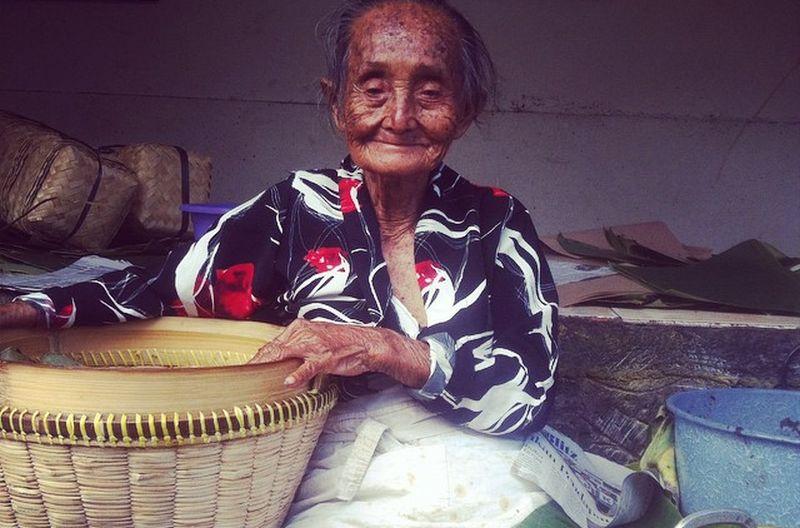 https: img.okezone.com content 2020 07 13 298 2245812 cerita-mbah-lindu-dan-kebiasaan-perempuan-pekerja-di-yogyakarta-u3MJ7IupNS.jpg