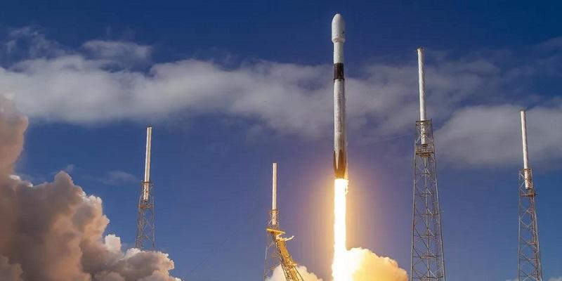 https: img.okezone.com content 2020 07 14 16 2246335 misi-peluncuran-starlink-spacex-kembali-tertunda-ini-penyebabnya-RG8EHYQD80.jpg